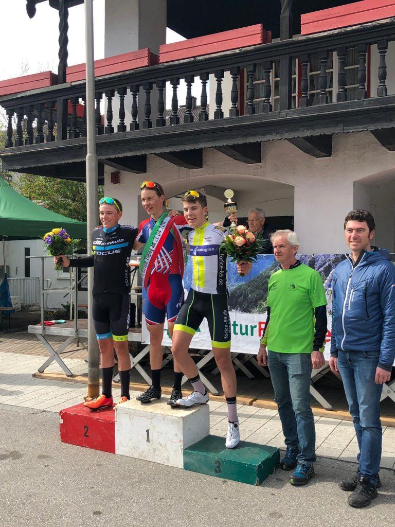 Siegerpodest Junioren 2019 Kriterium Töging mit Lukas Herrmann, Philipp Eger und Fin Burtscheidt